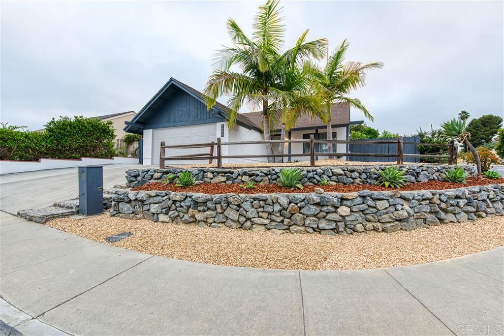 Photo of 1372 Dorsey Way, Vista, CA 92083 (MLS # 200030807)