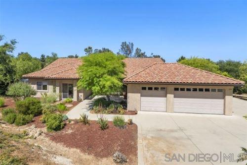 Photo of 2336 Gum Tree Lane, Fallbrook, CA 92028 (MLS # 200027816)