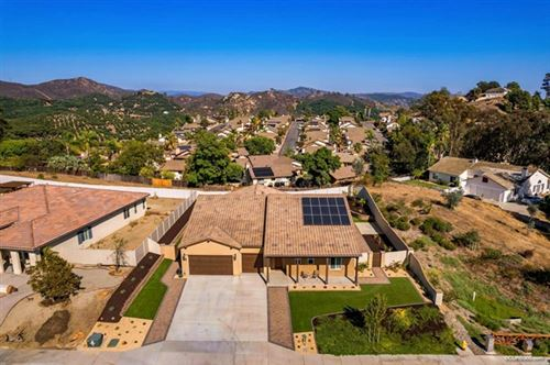Photo of 1501 Vista Verde Dr, Escondido, CA 92026 (MLS # NDP2110816)
