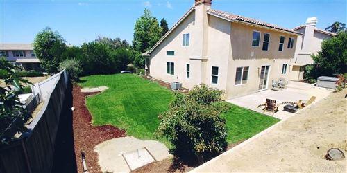 Photo of 445 Paradise View Dr, Vista, CA 92083 (MLS # 200029818)