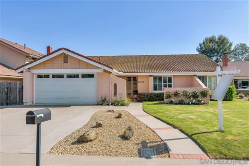 Photo of 3007 Quebrada Cir, Carlsbad, CA 92009 (MLS # 210011818)