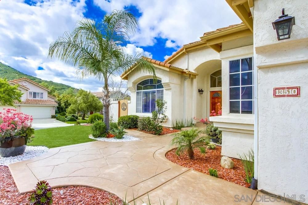 Photo of 13510 SPRUCE LN, Poway, CA 92064 (MLS # 200028818)