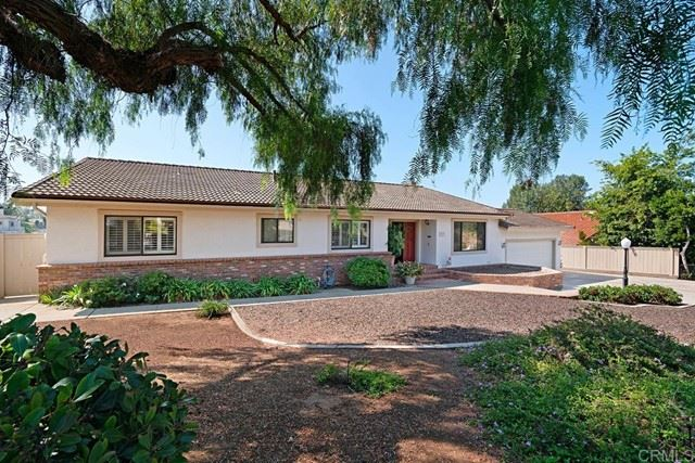 Photo of 1923 Camino Loma Verde, Vista, CA 92084 (MLS # NDP2110820)