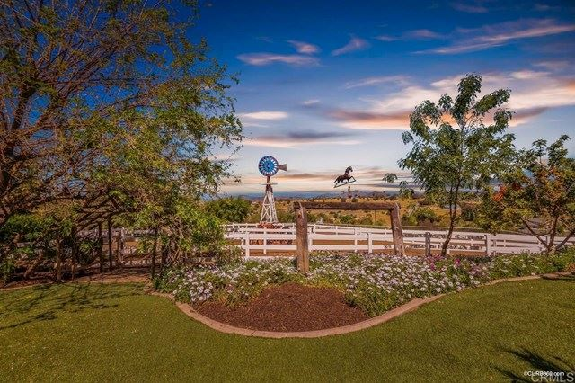 Photo of 30413 Mesa Crest Road, Valley Center, CA 92082 (MLS # NDP2103827)