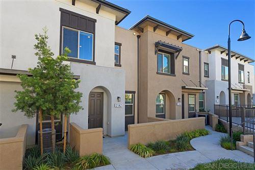 Photo of 2142 Solara Lane, Vista, CA 92081 (MLS # 200052829)