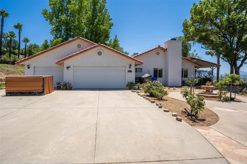 Photo of 1033 PAHLS WAY, Ramona, CA 92065 (MLS # 200028832)
