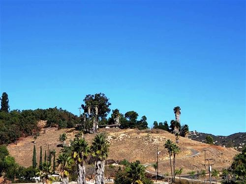 Photo of 3056 Slivkoff Dr, Escondido, CA 92027 (MLS # 200051833)
