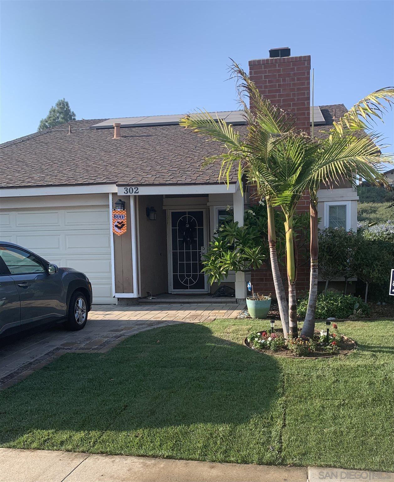 Photo of 302 Eastridge Lane, Escondido, CA 92026 (MLS # 210008837)