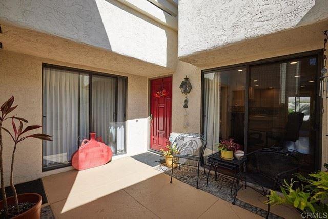 Photo of 16057 Via de las Palmas, Rancho Santa Fe, CA 92091 (MLS # NDP2110853)