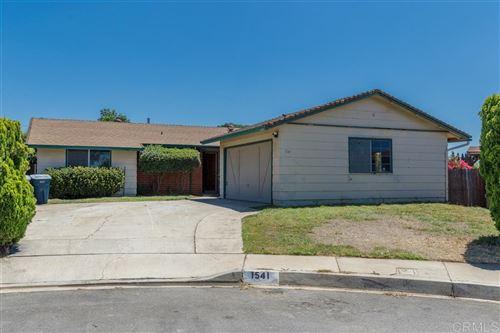 Photo of 1541 Magnolia Place, Escondido, CA 92027 (MLS # 200037854)