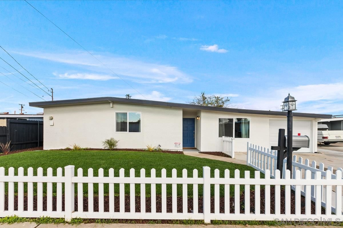 Photo of 744 Oneonta, Imperial Beach, CA 91932 (MLS # 200054862)