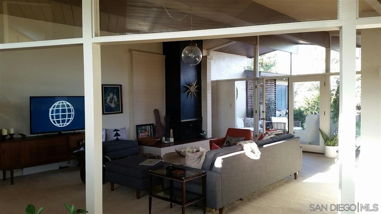 Photo of 1414 Glorietta Blvd, Coronado, CA 92118 (MLS # 210027866)