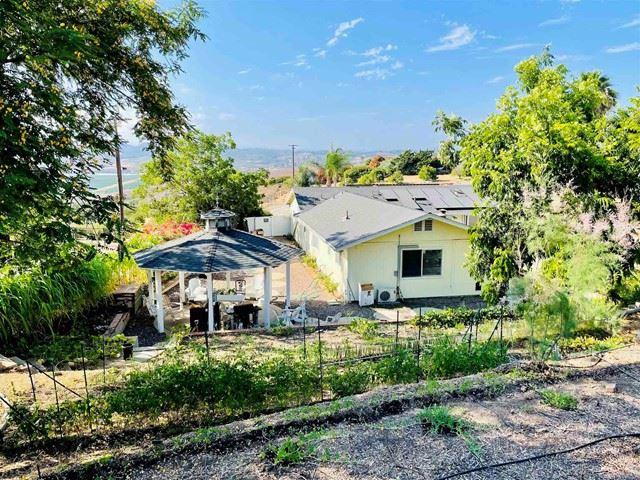 Photo of 422 Hutchison St, Vista, CA 92084 (MLS # NDP2108868)