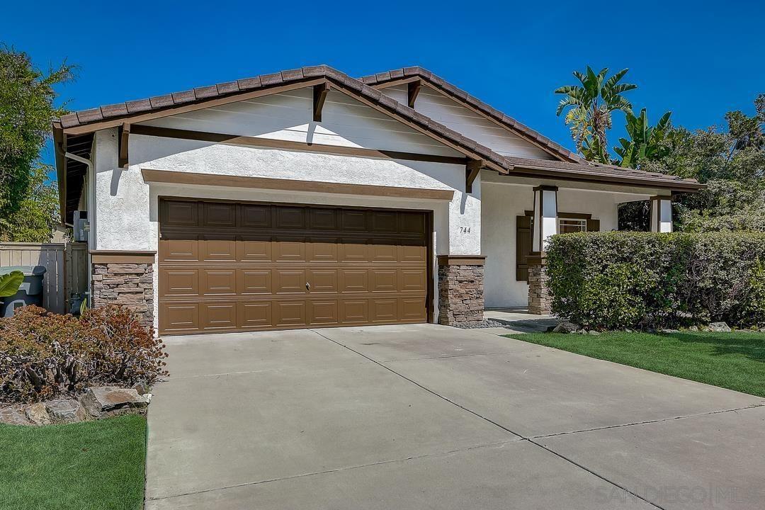 Photo of 744 Via Barquero, San Marcos, CA 92069 (MLS # 210020873)
