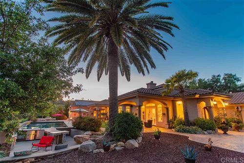 Photo of 2810 Cresta Loma, Escondido, CA 92025 (MLS # 200021880)