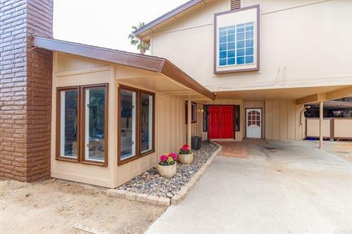 Photo of 919 Ranrido Drive, Escondido, CA 92025 (MLS # NDP2106882)