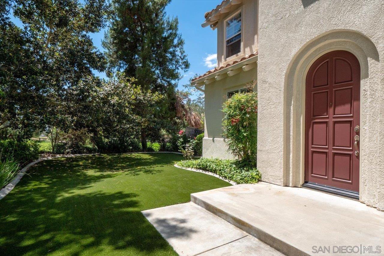 Photo of 2195 Stone Castle, Fallbrook, CA 92028 (MLS # 210015883)