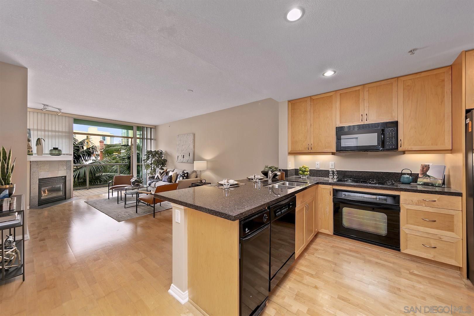 Photo for 850 Beech Street #518, San Diego, CA 92101 (MLS # 210003884)