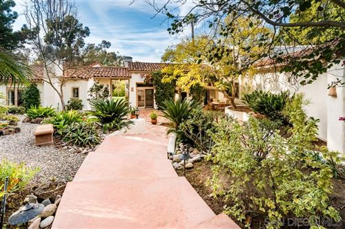 Photo of 16722 Via Lago Azul, Rancho Santa Fe, CA 92067 (MLS # 200011890)