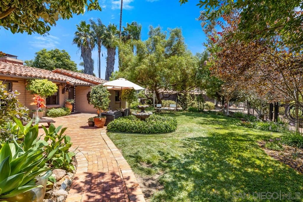 Photo of 2613 Loma Vista Dr, Escondido, CA 92025 (MLS # 200030891)