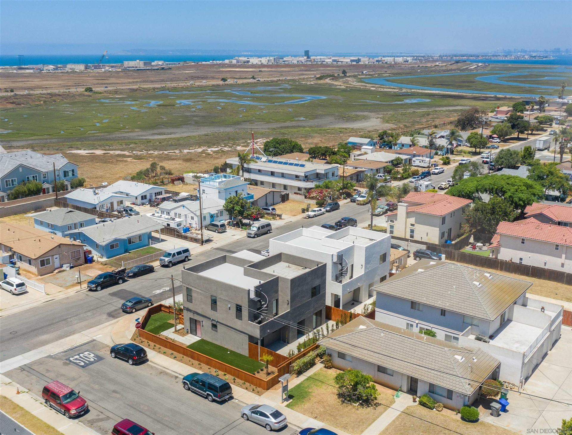 Photo of 535 7Th St, Imperial Beach, CA 91932 (MLS # 210023893)