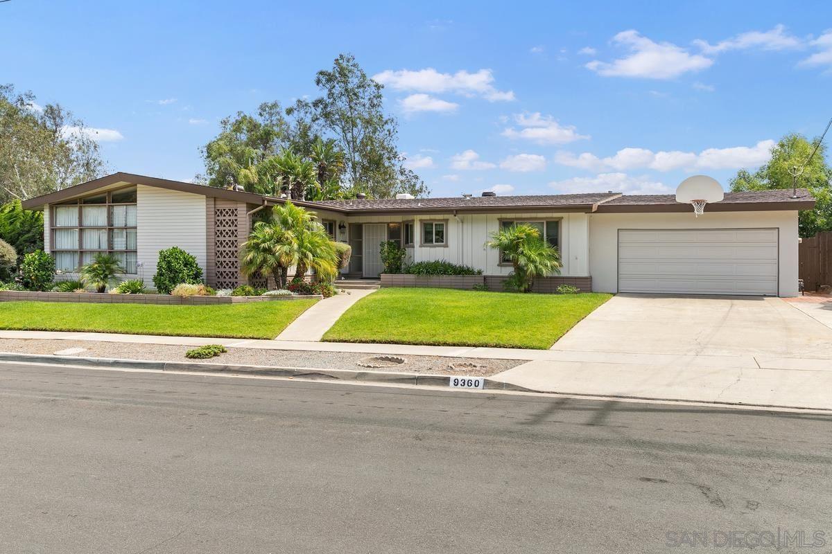 Photo of 9360 Loren Dr, La Mesa, CA 91942 (MLS # 210020896)