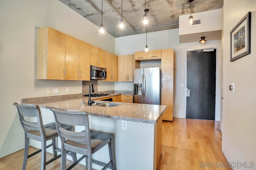 Photo for 527 10Th Ave #610, San Diego, CA 92101 (MLS # 210009897)