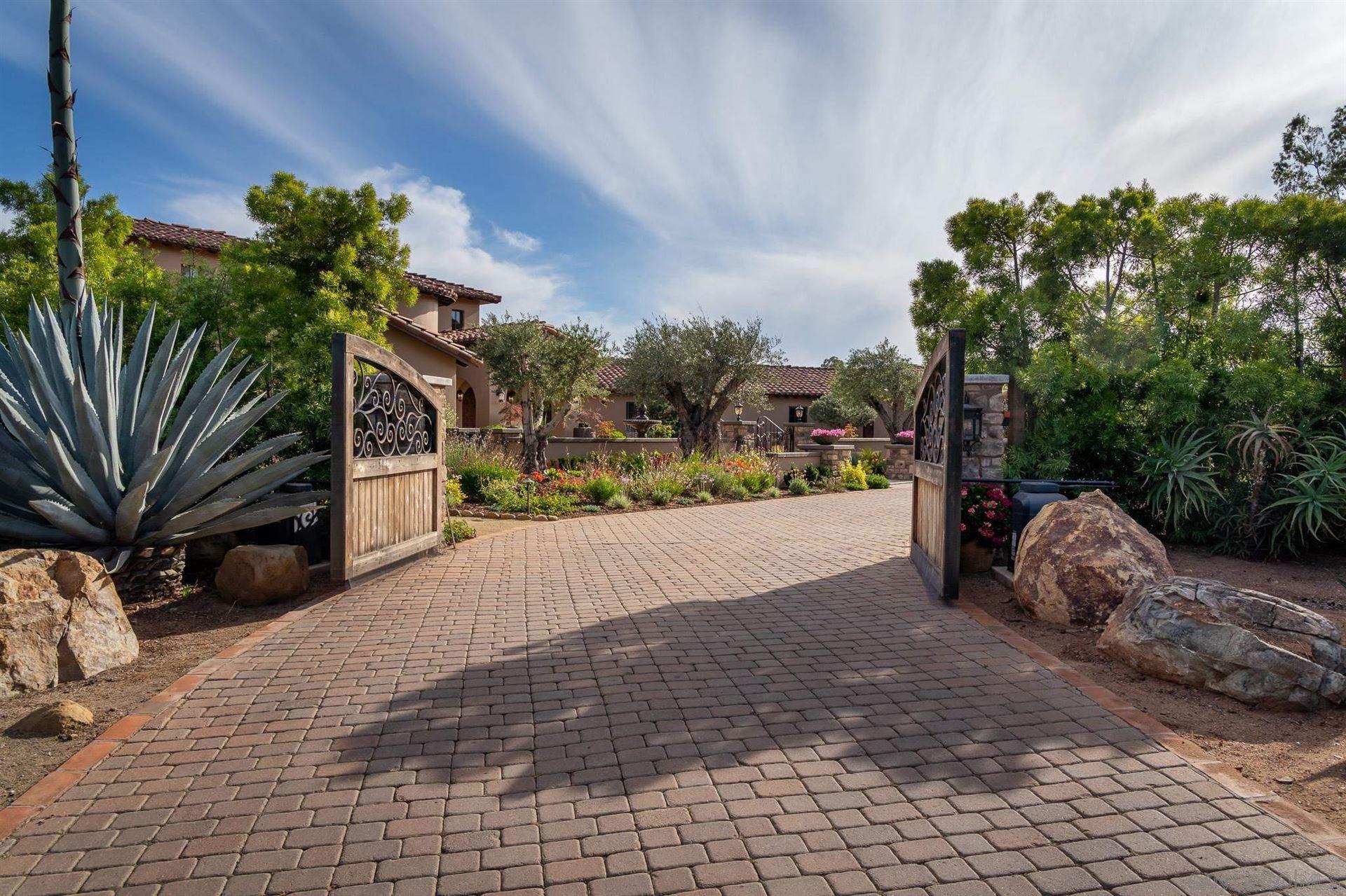 Photo of 16738 Zumaque, Rancho Santa Fe, CA 92067 (MLS # 210014901)