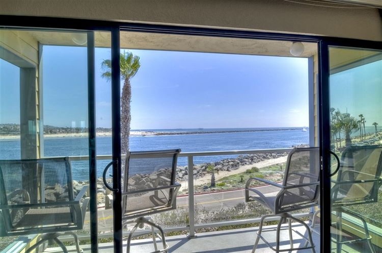 Photo of 2595 Ocean Front Walk #6, San Diego, CA 92109 (MLS # 100061905)