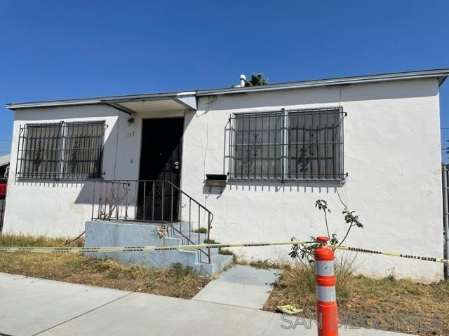 Photo of 117 & 117 A Roosevelt Ave, National City, CA 91950 (MLS # 210027909)