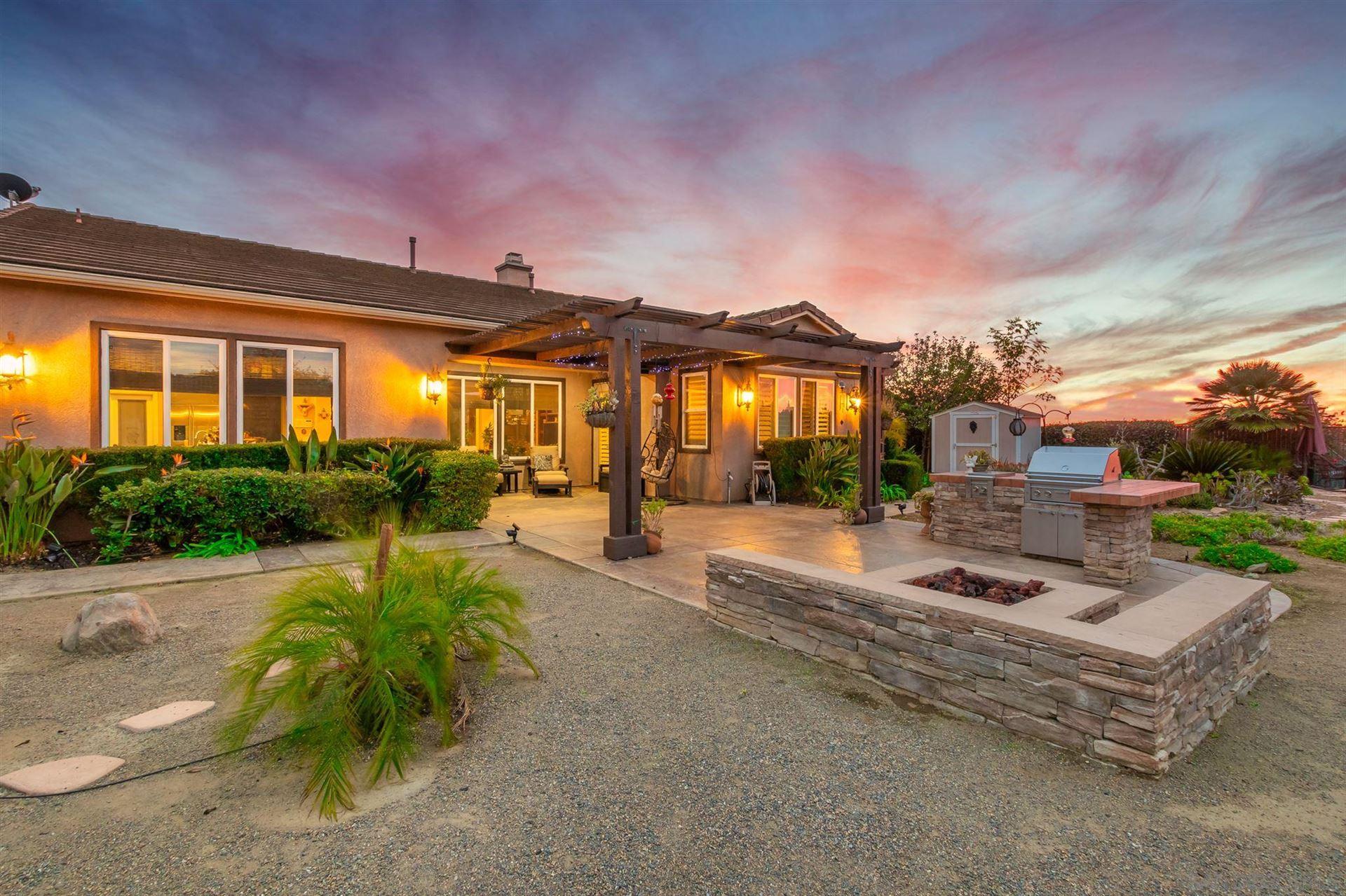 Photo of 636 Ridgemont Cir, Escondido, CA 92027 (MLS # 210000910)