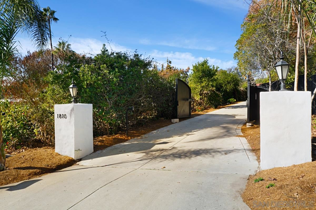 Photo of 1810 Shadow Knolls Pl, El Cajon, CA 92020 (MLS # 210000911)