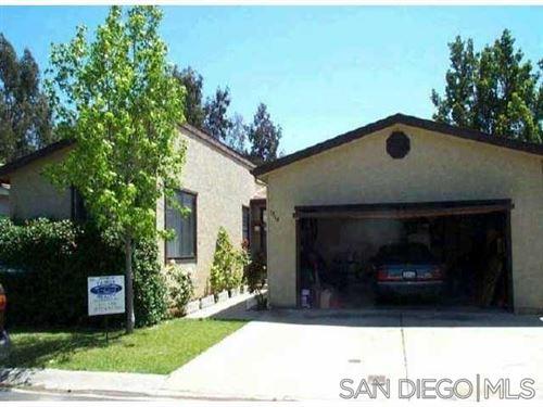 Photo of 1044 Badger Way, Vista, CA 92081 (MLS # 210026917)