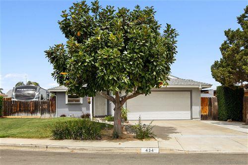 Photo of 434 Orion Pl, Escondido, CA 92026 (MLS # 210009919)