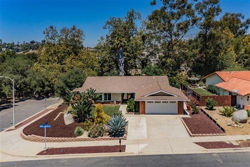 Photo of 1016 Deerhaven Drive, Vista, CA 92084 (MLS # 200038924)