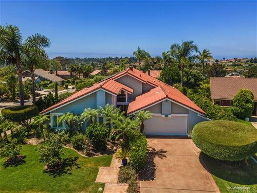 Photo of 303 El Pedregal Dr, Solana Beach, CA 92075 (MLS # 200038926)