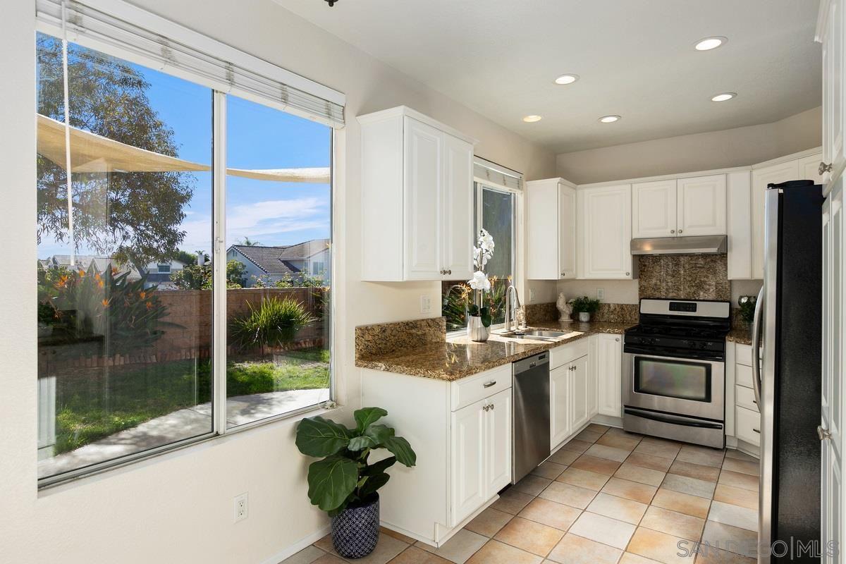 Photo of 4031 Ivey Vista Way, Oceanside, CA 92057 (MLS # 210000930)