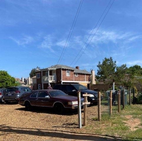Photo of 1250 E Lincoln Avenue, Escondido, CA 92027 (MLS # NDP2103932)