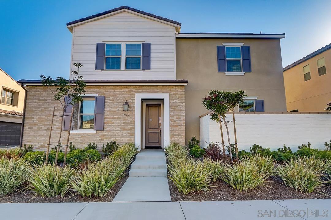 Photo of 742 Gemstone Dr, San Marcos, CA 92078 (MLS # 210028933)