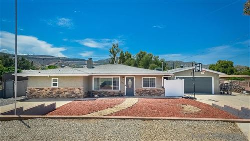 Photo of 13717 Lyall Pl, Lakeside, CA 92040 (MLS # 200007935)