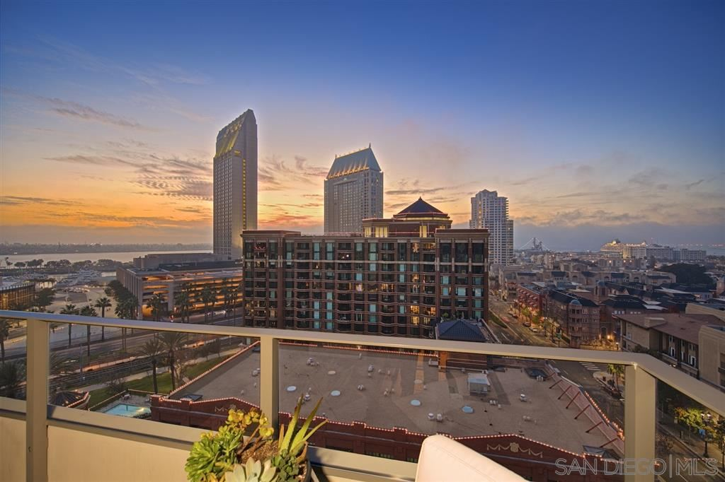 Photo for 550 Front St #1006, San Diego, CA 92101 (MLS # 190047941)