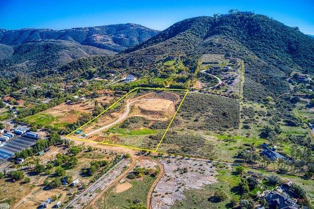 Photo of 20260 Elfin Vista Ln, Escondido, CA 92029 (MLS # NDP2101942)