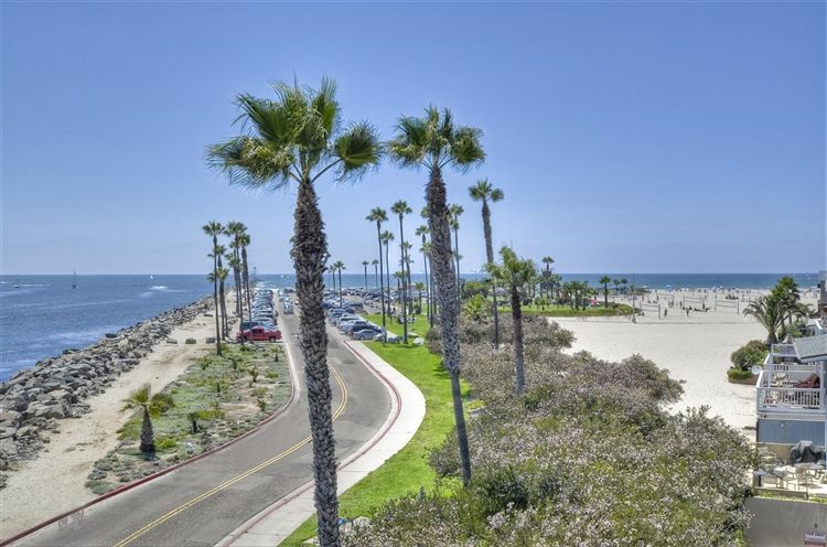 Photo of 2595 Ocean Front Walk #7, San Diego, CA 92109 (MLS # 100061943)