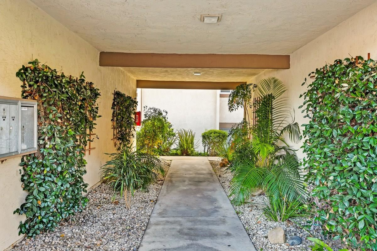 Photo of 1017 Porteno Ct, San Marcos, CA 92078 (MLS # 210000945)