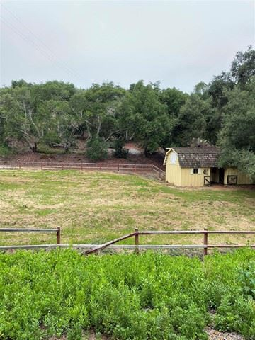 Photo of 10975 Old Oak Holler, Valley Center, CA 92082 (MLS # NDP2108950)