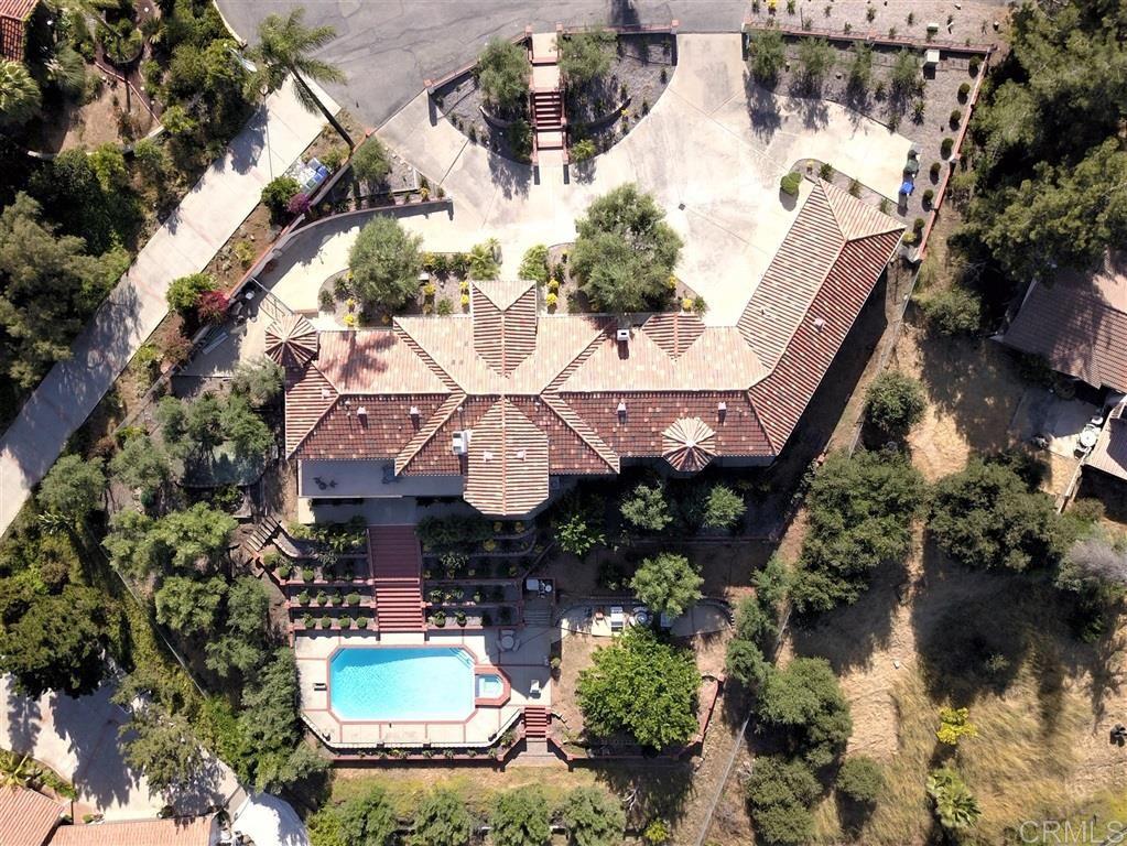 Photo of 2325 Vista Royal, Vista, CA 92084 (MLS # 200035950)
