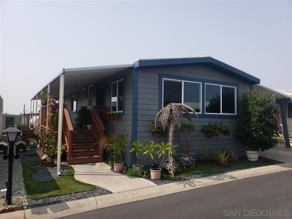 Photo of 1506 Oak Dr #85, Vista, CA 92084 (MLS # 200044952)