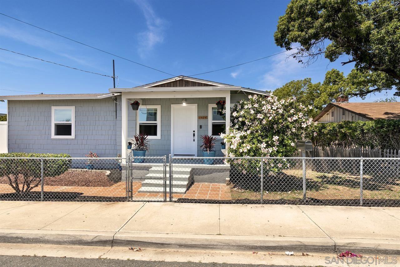 Photo of 1404 Naranca Ave, El Cajon, CA 92021 (MLS # 210015952)