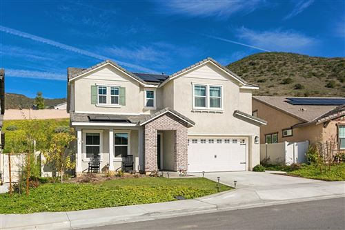Photo of 35759 Garrano  Lane, Fallbrook, CA 92028 (MLS # 200052956)