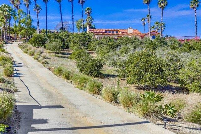 Photo for 2448 Flametree Road, Vista, CA 92084 (MLS # NDP2101957)